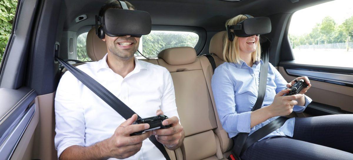Компания Porsche пригласила публику погрузиться в виртуальную реальность