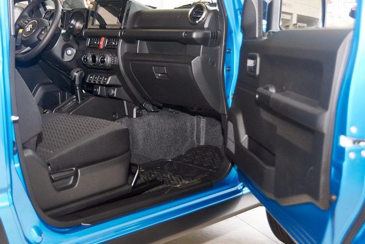 Suzuki Jimny 2019 салон интерьер