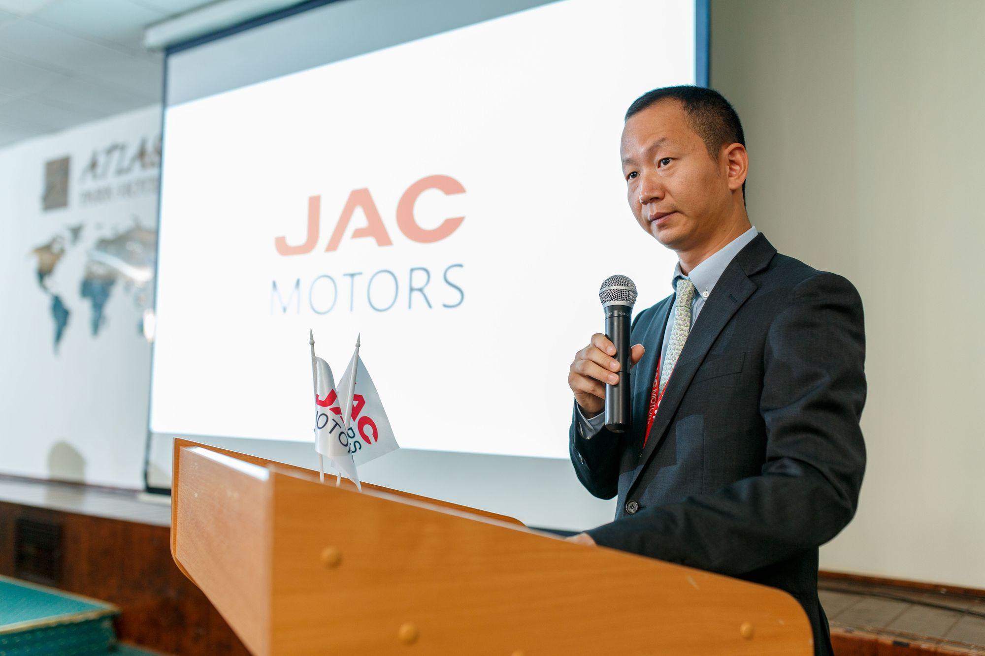 Генеральный директор ООО «Джак автомобиль», Юй Ян