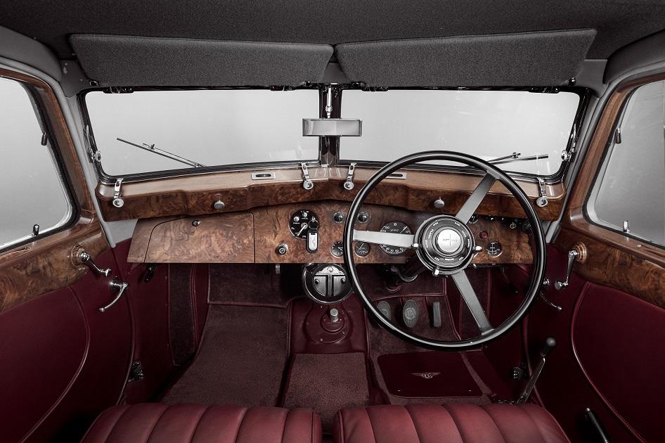 Bentley Corniche (11).