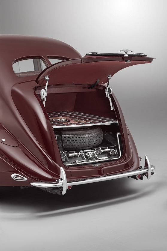 Bentley Corniche (6).