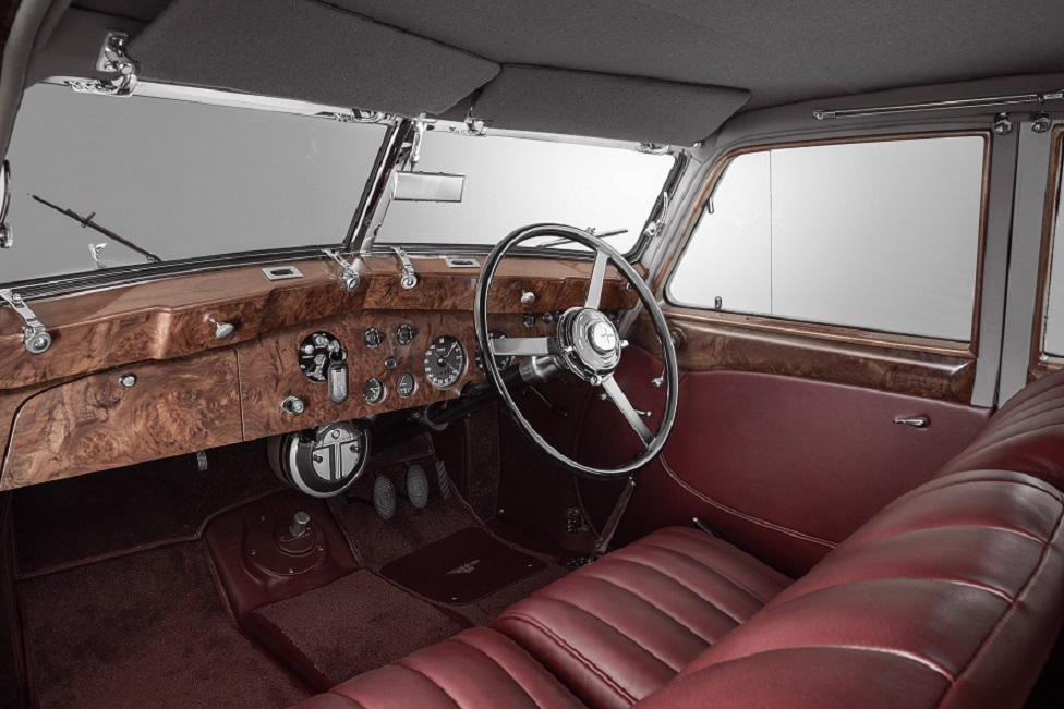 Bentley Corniche (7).