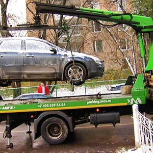 Где в Москве чаще эвакуируют парковщиков-нарушителей