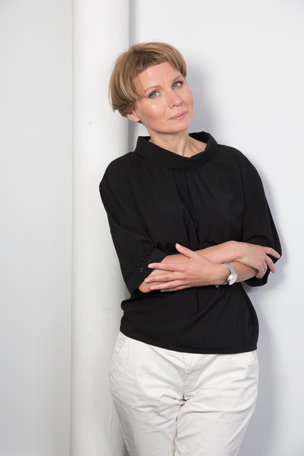 Наталья Тимашева - главный редактор журнала ИНТЕРЬЕР+ДИЗАЙН и сайта interior.ru, автор более 1000 публикаций. Эксперт в области современного дизайна. Участник жюри международных конкурсов и ведущая авторских программ.