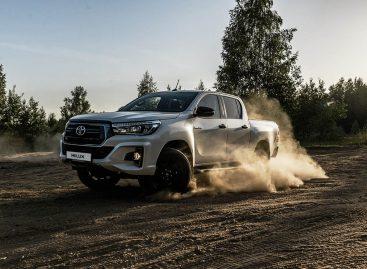 Toyota начинает продажи востребованной премиальной версии Hilux Exclusive Black – что это? Читаем