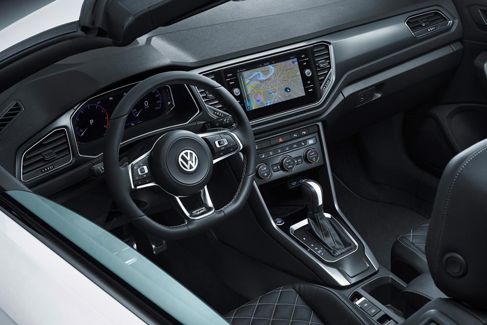Volkswagen T-Roc Cabriolet 2019 интерьер