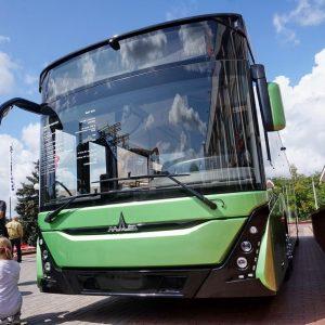 В новом автобусе МАЗ можно сидеть под кондиционером и заряжать смартфоны