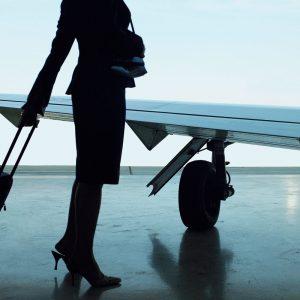 Пилота авиакомпании не выпустили в зарубежный рейс из-за долгов