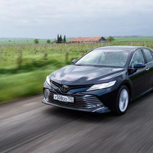 Продажи Toyota Camry превысили 400 000 автомобилей