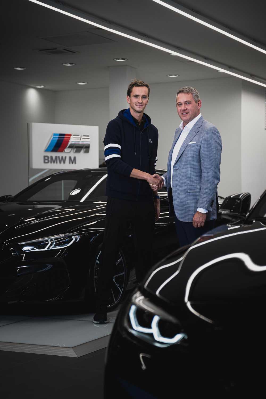 Встреча генерального директора BMW Group Россия Штефана Тойхерта и Даниила Медведева в Санкт-Петербурге