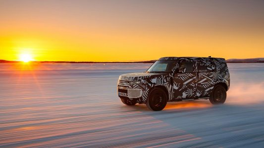 Land Rover Defender 2020 камуфляж