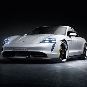 Электрический спортивный автомобиль Porsche Taycan