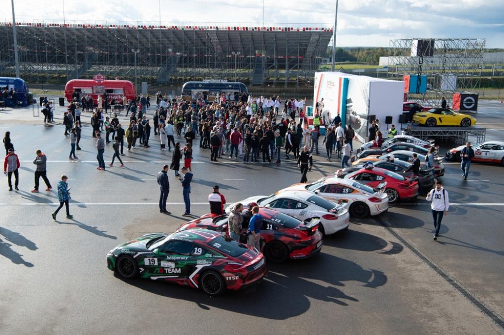 Porsche Cayenne Coupé фестиваль