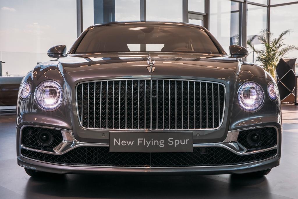 Bentley Flying Spur в Москве 2019