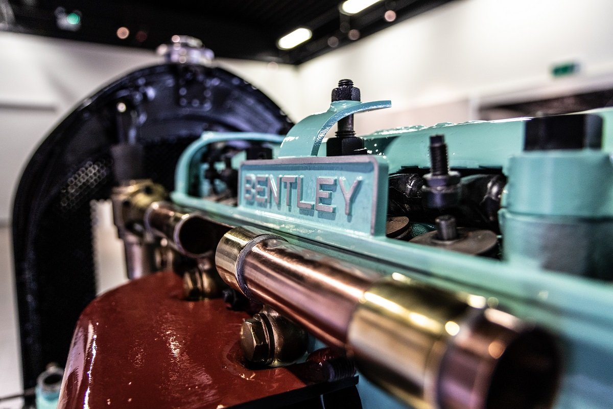 Исторический мотор Bentley