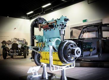 Двигатель №212 детально отреставрирован в год столетия бренда Bentley