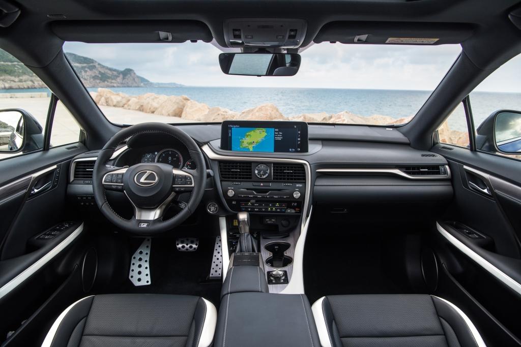 Lexus RX салон 2019