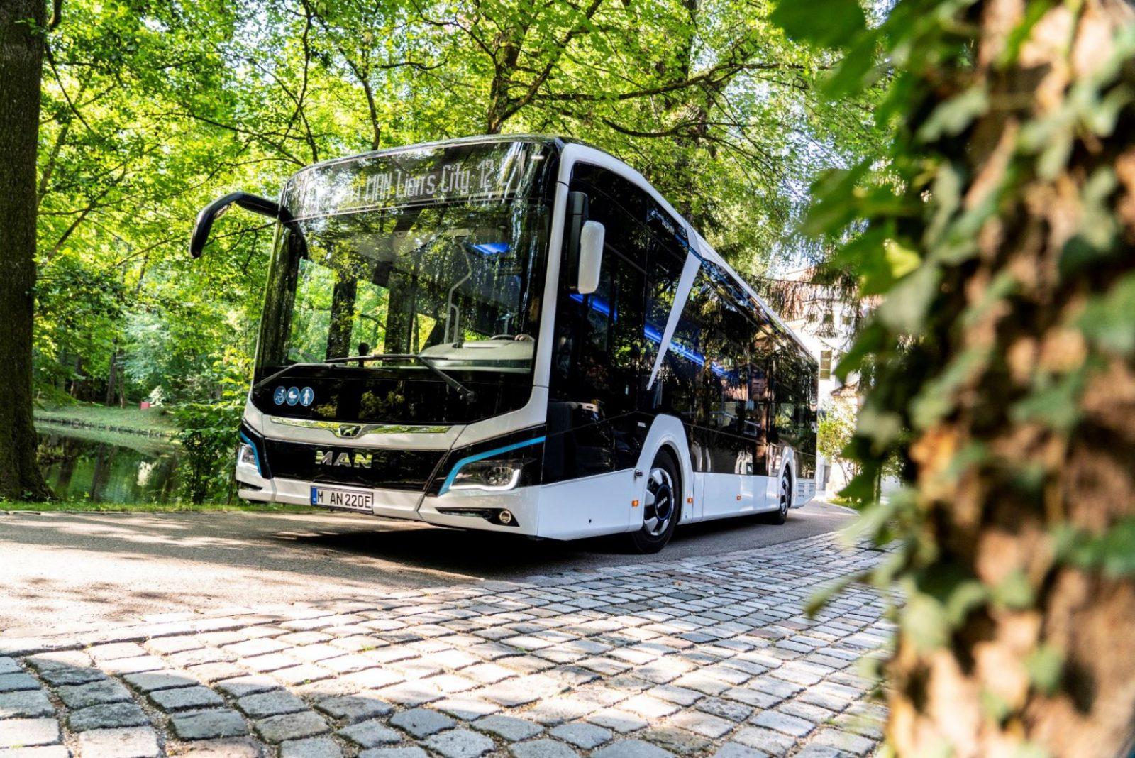 Автобус LionsCity12E