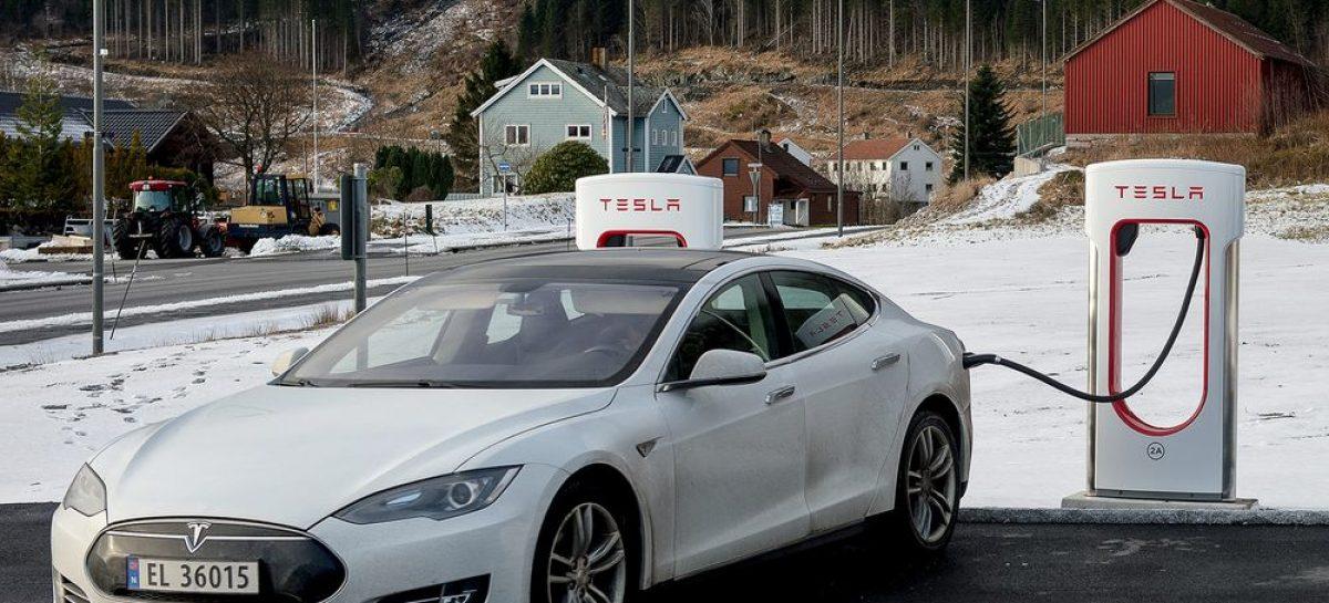 Tesla вытеснил ДВС модели. В отдельно взятой стране…