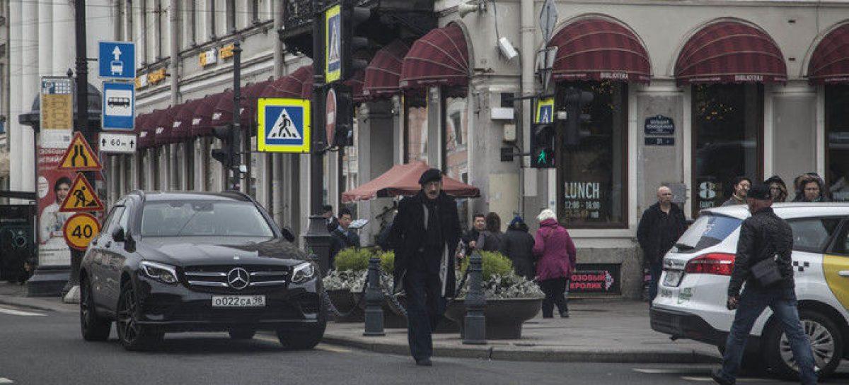 Михаил Боярский привлечен к административной ответственности за неправильную парковку своего Mercedes