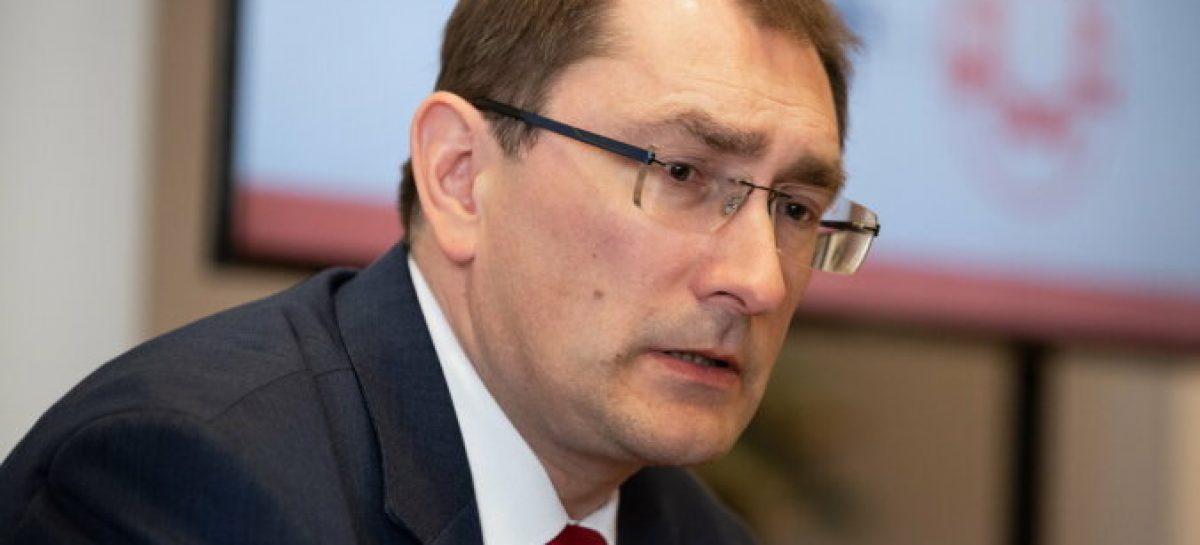 В Латвии хотят запретить ввоз и регистрацию транспорта, возрастом старше трех лет с ДВС