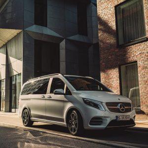 Mercedes-Benz обновил V-класс, сочетав комфорт и роскошь с экономичным двигателем