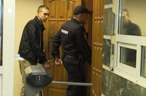 СКР в Екатеринбурге проверяет росгвардейца на воспрепятствование правосудию из-за ДТП с участием его сына