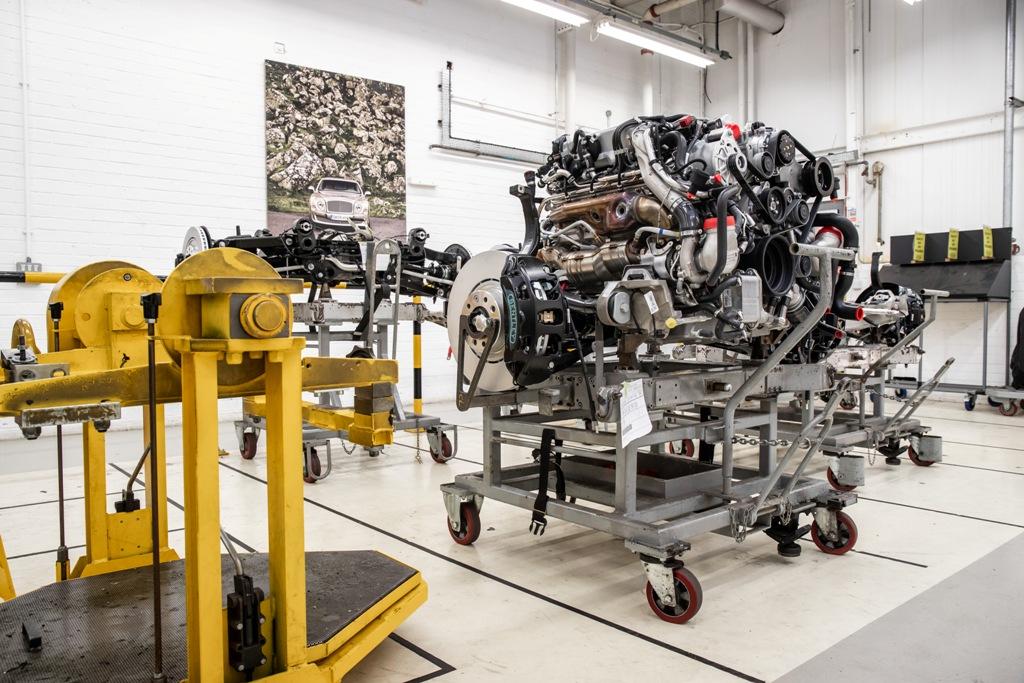 Bentley отмечает 60-летие двигателя V8