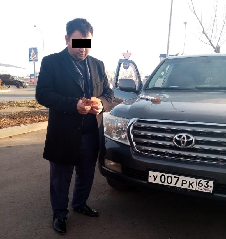 Мужчина, арендовавший 60 внедорожников