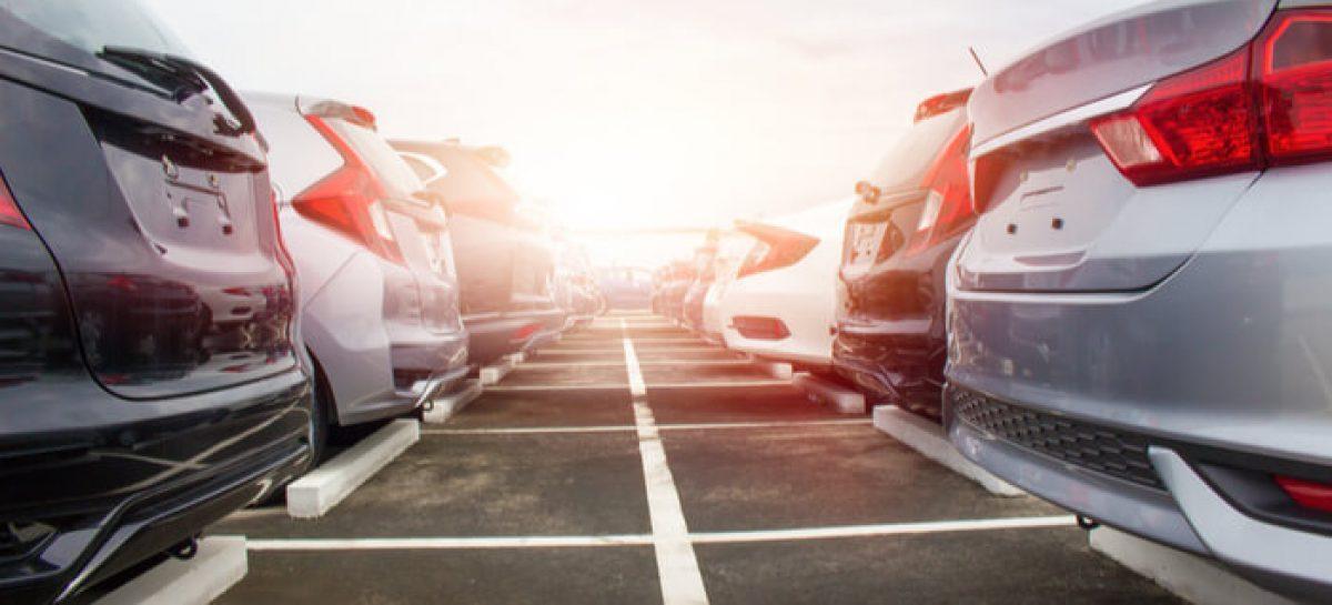 Вместо Kia и Hyundai россияне чаще покупают Lada