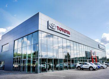 В Смоленске открылся дилерский центр Toyota