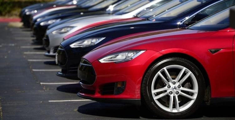 Из налогового учета исчезли люксовые автомобили