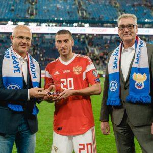 Volkswagen наградил футболистов за матч квалификации ЕВРО-2020