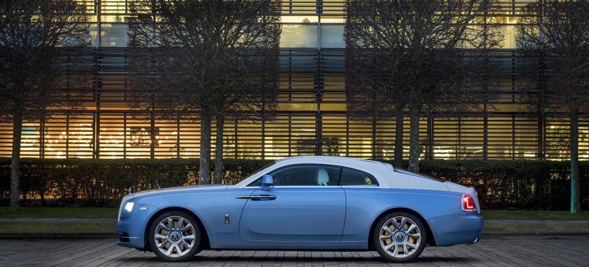 Rolls-Royce представляет коллекционный Falcon Wraith с самой сложной вышивкой в истории марки