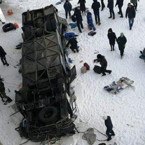 Рейсовый автобус рухнул с моста на лёд замёрзшей реки. Можно ли было избежать страшную катастрофу и в чем причина аварии?