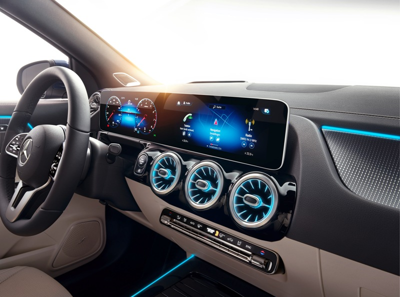 Новый Mercedes-Benz GLA салон