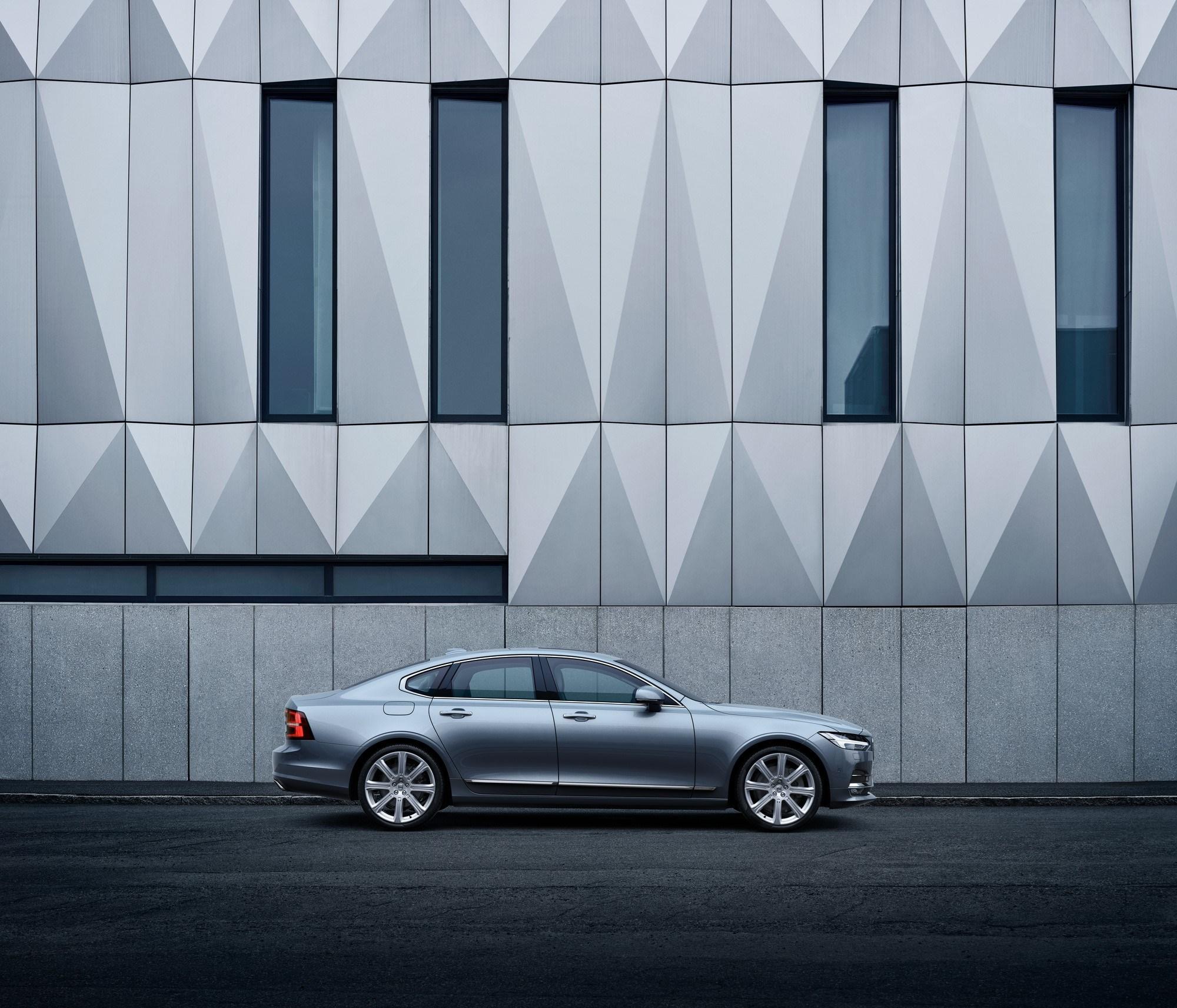 Бизнес-седан Volvo S90