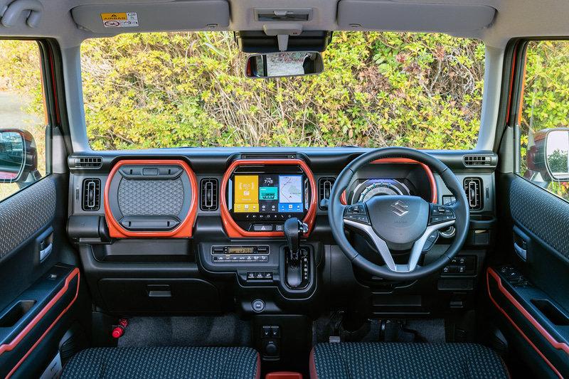 Suzuki Hustler второго поколения салон
