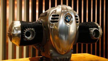 BMW представил самый большой двигатель для мотоцикла