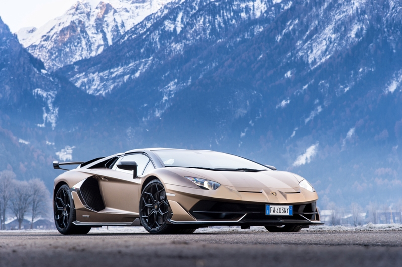 Lamborghini Christmas Drive: рождественское путешествие