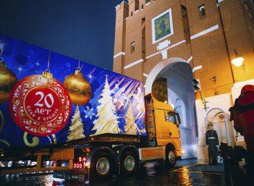 Флагманский тягач MAN TGX доставил Главную новогоднюю елку России в Кремль