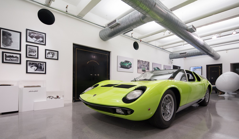 Miura от Lamborghini на выставке Art Basel Miami Beach