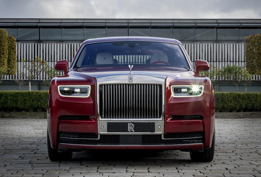 Rolls-Royce представляет уникальный Phantom