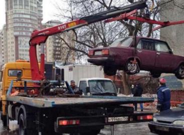 С улиц Королева вывезли более 10 бесхозных автомобилей