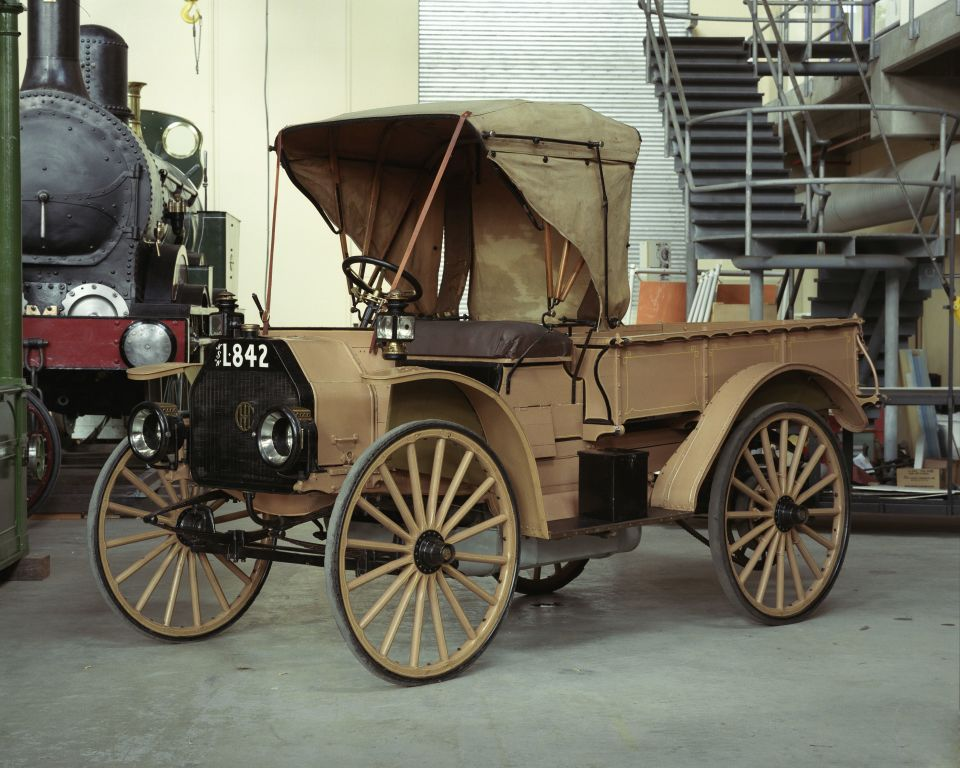 International Harvester Model E 1915