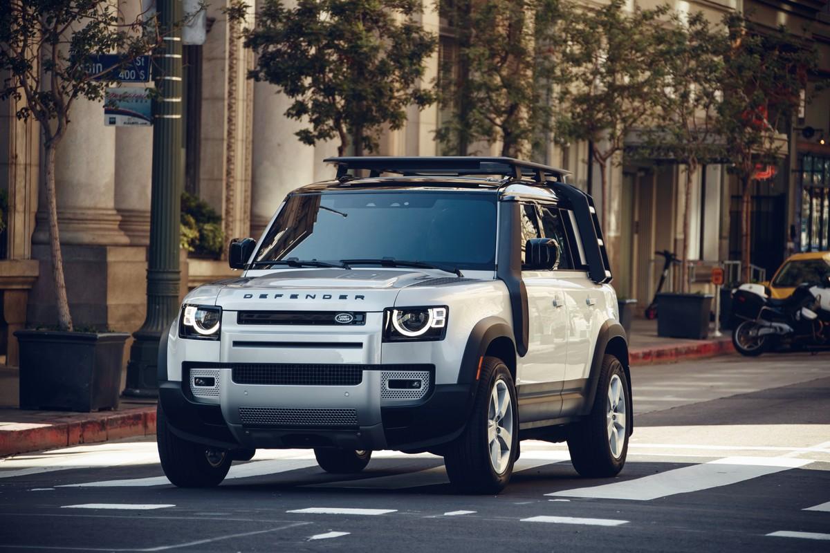 Land Rover Defender eSIM CES 2020
