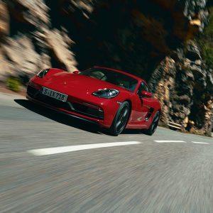 Porsche представил 718 Cayman и 718 Boxster