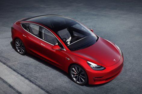 Автомобили Tesla научат «разговаривать» с пешеходами