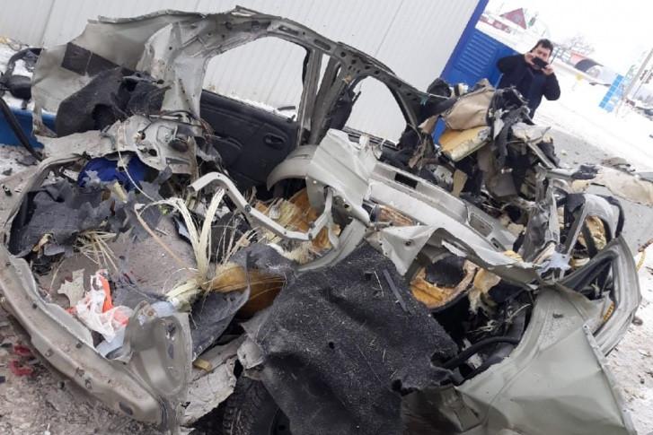 В Башкирии автомобиль с газовым баллоном разорвало на куски прямо на АЗС