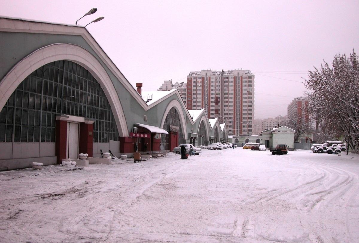 Гаражи индустриальной архитектуры в Москве